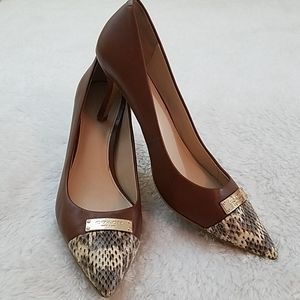 Coach Zan Sz 8 Brown and Snake Embossed Pumps